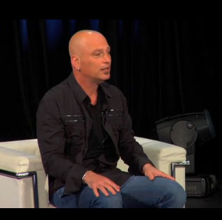 Howie Mandel at the CMA National Convention